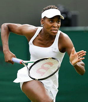 Venus Williams clinched the Fed Cup World Group Playoff against Sweden by defeating Johanna Larsson 6-3, 7-5 in Delray Beach, Florida.