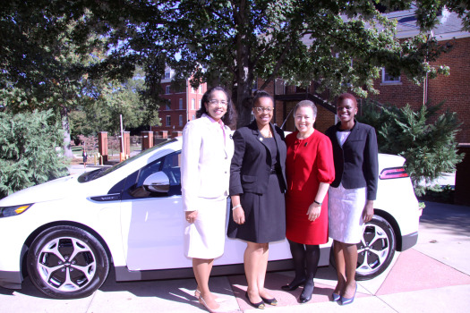 Spelman College Alumnae and GM's WRN founder & director Celeste Briggs '81(l) with Spelman president Dr. Beverly Daniel Tatum (c) and students Marcea Lewis and Ruth Wangia (r).  (Photo Credit: Spelman College)