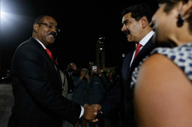 Antigua and Barbuda's Prime Minister Gaston Browne (left) greets Venezuela's President Nicolás Maduro (r). Image: Caribbean 360